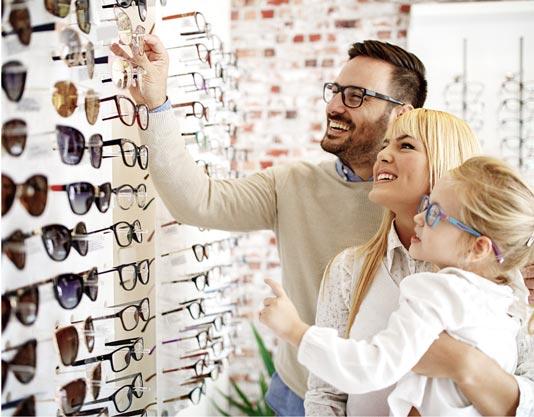 Family shopping for glasses